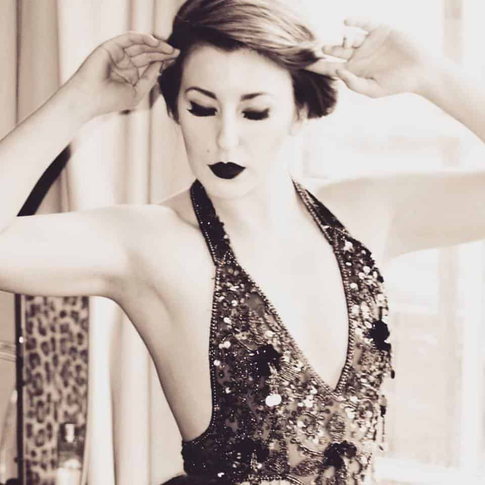 Billie Burlesque Show for hire. Book our dancer for corporate events in London & the UK.