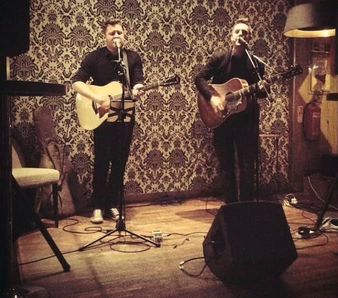 The Acoustic Brothers for hire. Book our acoustic guitarists for family fun days in London & the UK.