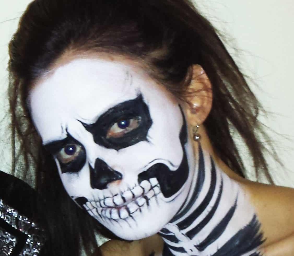 Halloween face painters for parties in the UK.