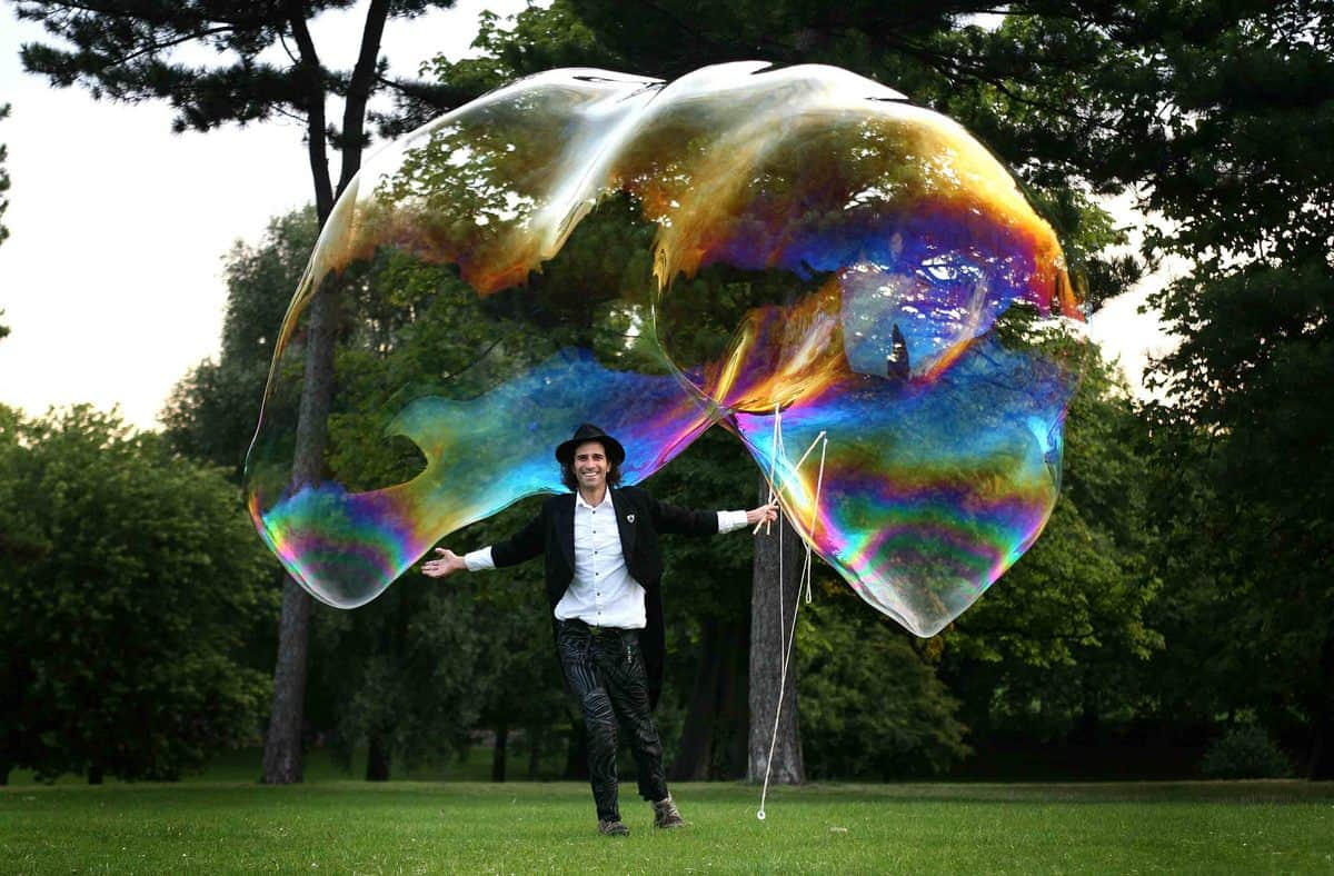 Bubble Man for hire. Our Bubble Man is available to book for children's parties, family fun days or shopping centre events in London & the UK.