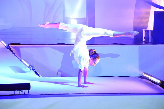 Italy-based acrobatic contortion show for hire for corporate events.