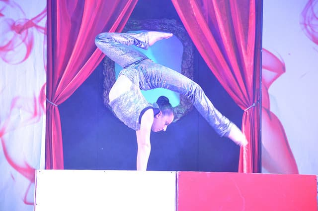 Book our circus contortionist for gala dinners in the UK & Italy.