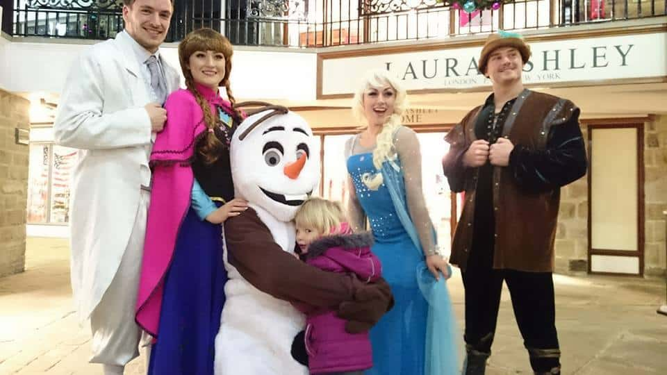 Queen Elsa & Princess Anna walkabout act for hire. Book our Frozen movie characters for children's events in the UK & London.
