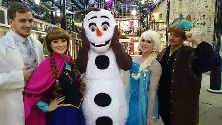 Frozen Walkabout Characters for hire. Our Disney-themed walkabout characters are available to book for themed children's parties, Christmas-themed events or Winter Wonderland events in London & the UK.