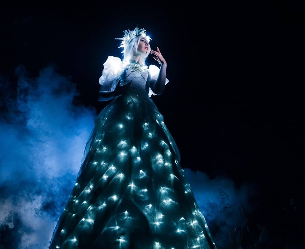 Book our Winter Wonderland-themed walkabout act for corporate events in the UK & London.