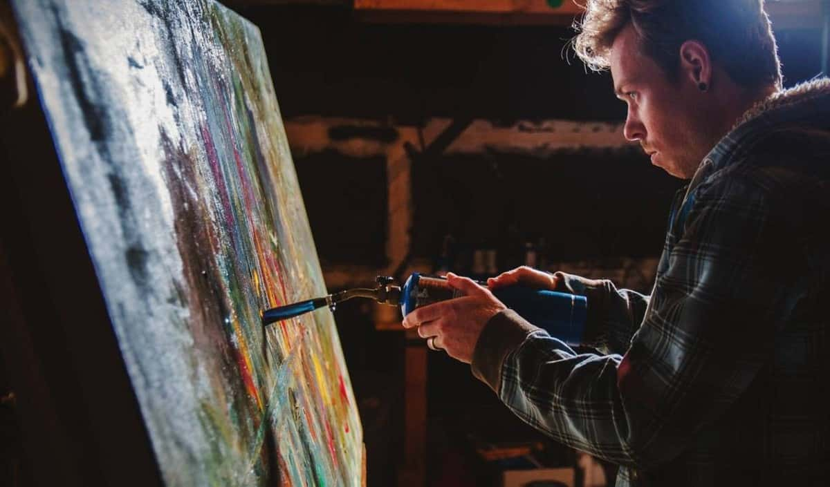 Book James Ruddle the Blow Torch Artist for gala dinners in London. Hire our Speed Painter for bespoke events in the UK.