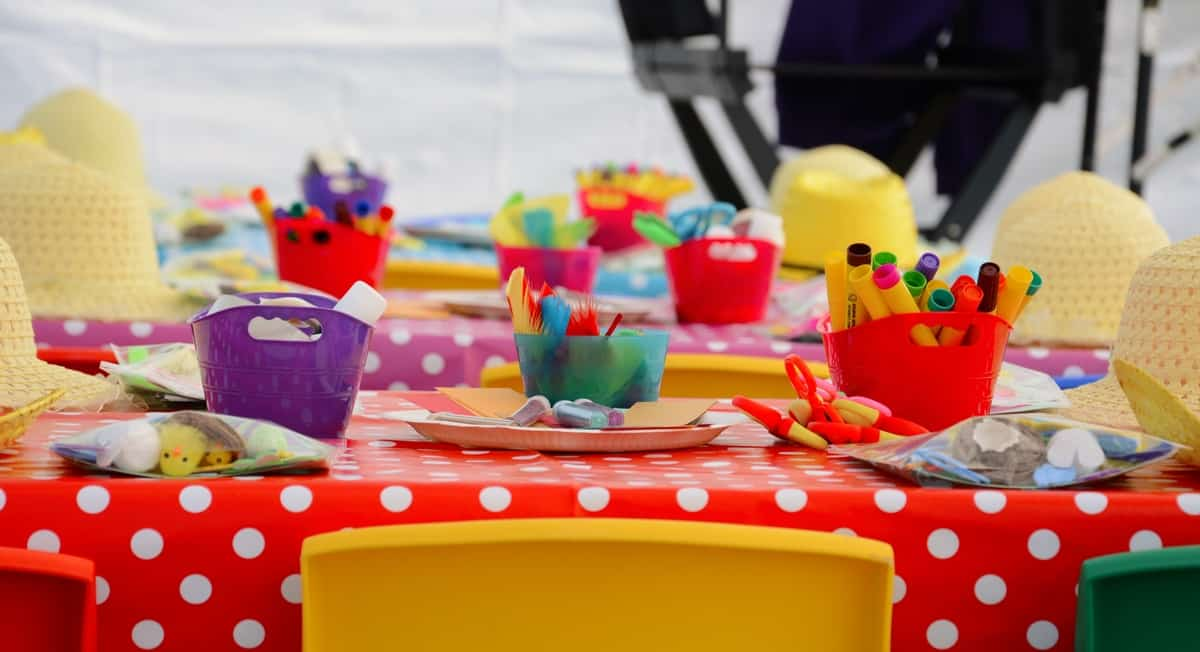 Little Hands Craft & Activity Stand for hire. Our arts & crafts workshop is available to book for children's parties, shopping centre events or family fun days in London & the UK.