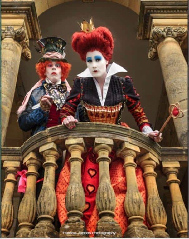 Mad Hatter & the Red Queen Lookalikes for hire. Book our Mad Hatter & Red Queen walkabout characters for Alice in Wonderland-themed events, picnic events or family fun days in London & the UK.