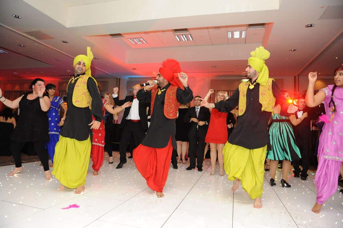 Our Punjabi Dancers are available for hire for weddings in London & the UK.