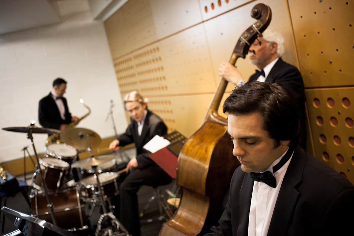The Rhythm of London Soul Band for hire. Our swing & soul band is available to book for private parties in London & the UK.