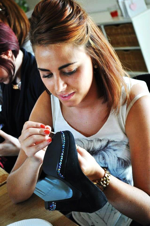 Shoes design workshops are perfect entertainment activity for teenager parties and sleepovers.