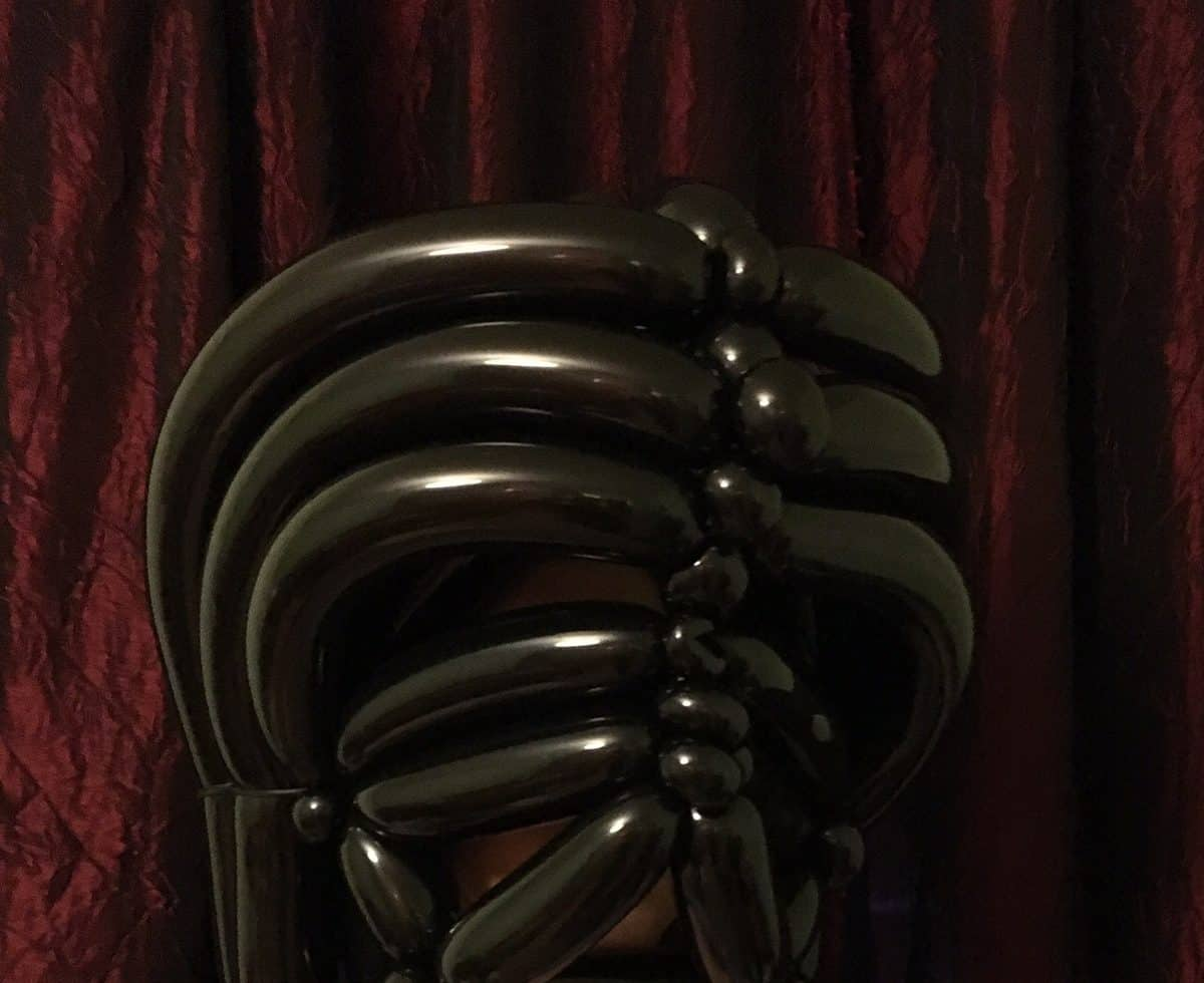 Balloon Modeller for hire. Our Star Wars entertainer is available to book for movie-themed events in the UK & London.