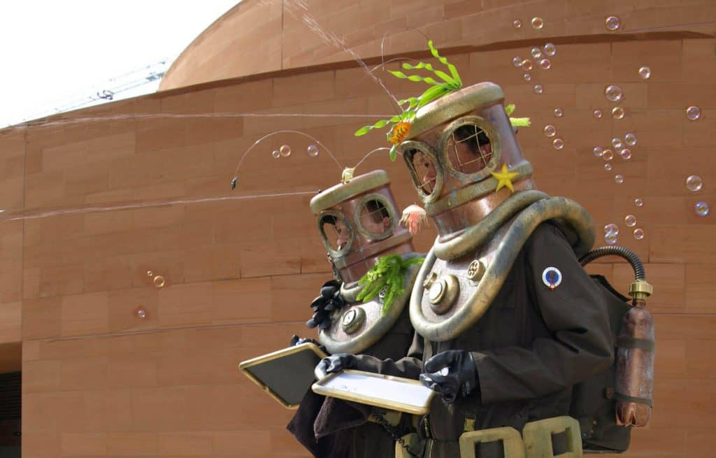 Deep Sea Diver Stilt Walkers for hire. Book our nautical-themed walkabout entertainment for family fun days in London & the UK.