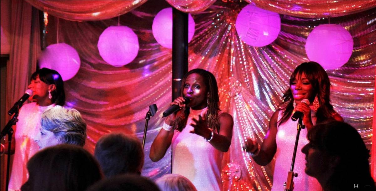 Book our soul singers for your wedding in London & the UK.
