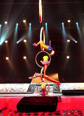 Dancing Water Circus for hire. Book our Chinese Circus Act for corporate events in London & the UK.