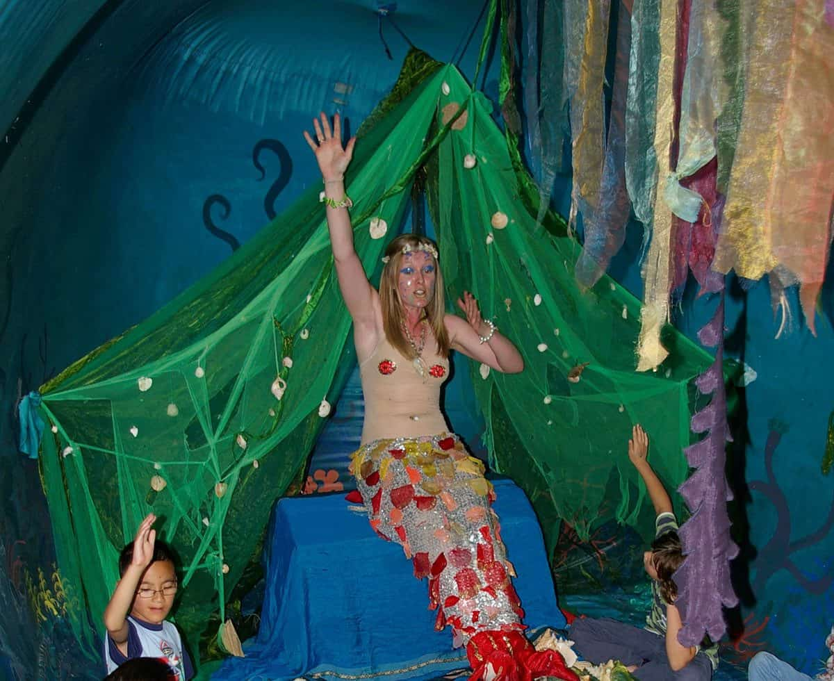 Giant Whale Puppet Show for hire. Book our giant puppet for ocean-themed events in the UK & London.