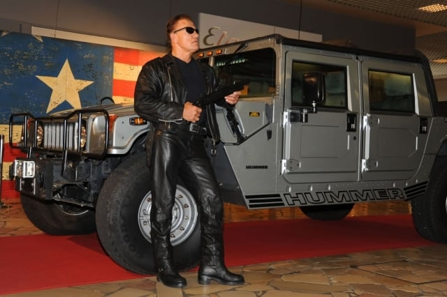 Arnold Schwarzenegger lookalike for hire. Book our Movie Character across the UK