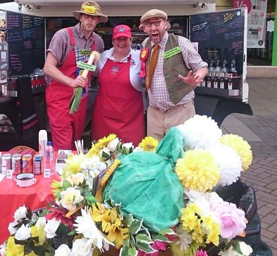 Flower & plant-themed entertainment for hire. Book our Avid Gardener street theatre show for shopping centre events in London & the UK.