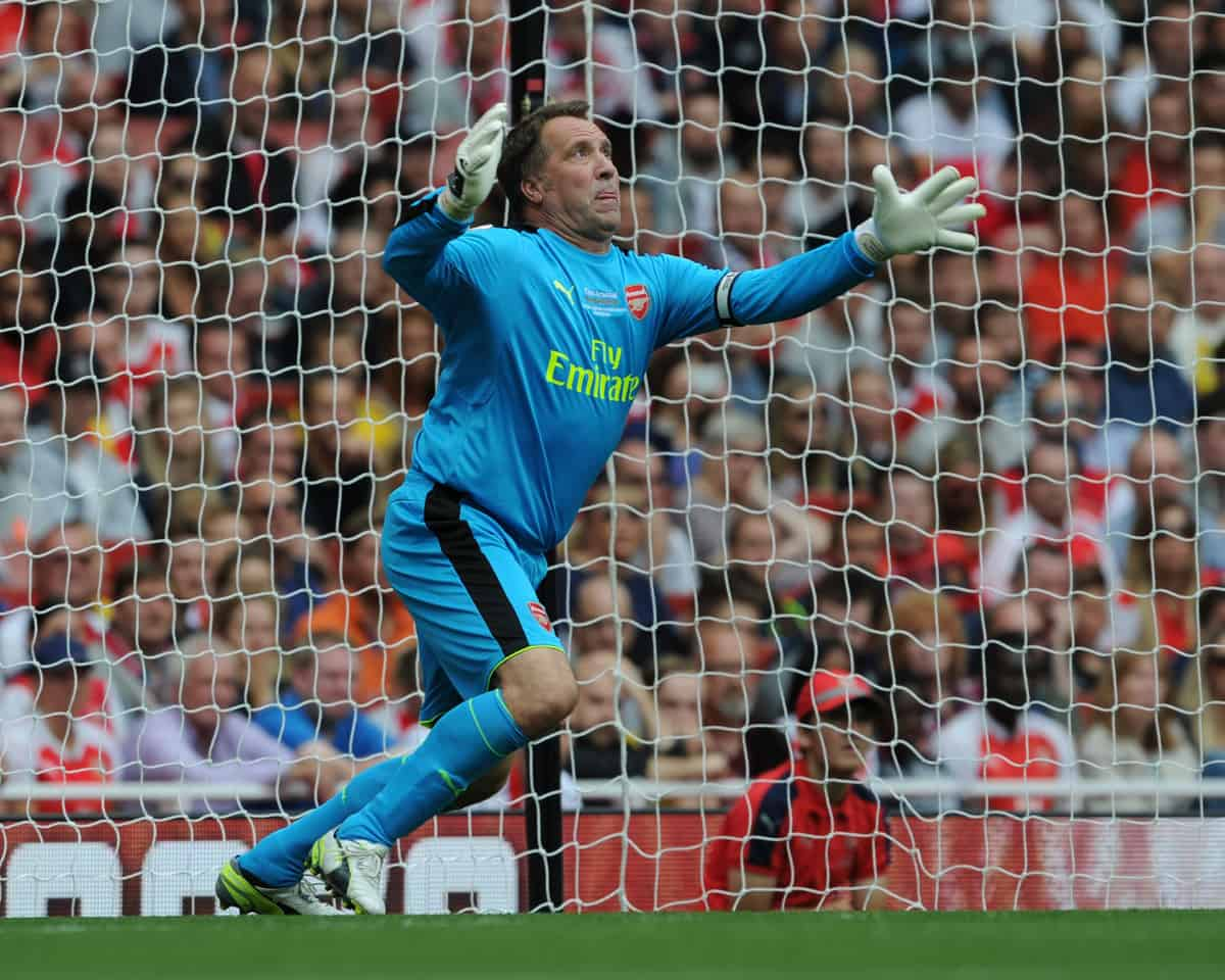 David Seaman is available to hire as an after dinner speaker for UK gala dinners.