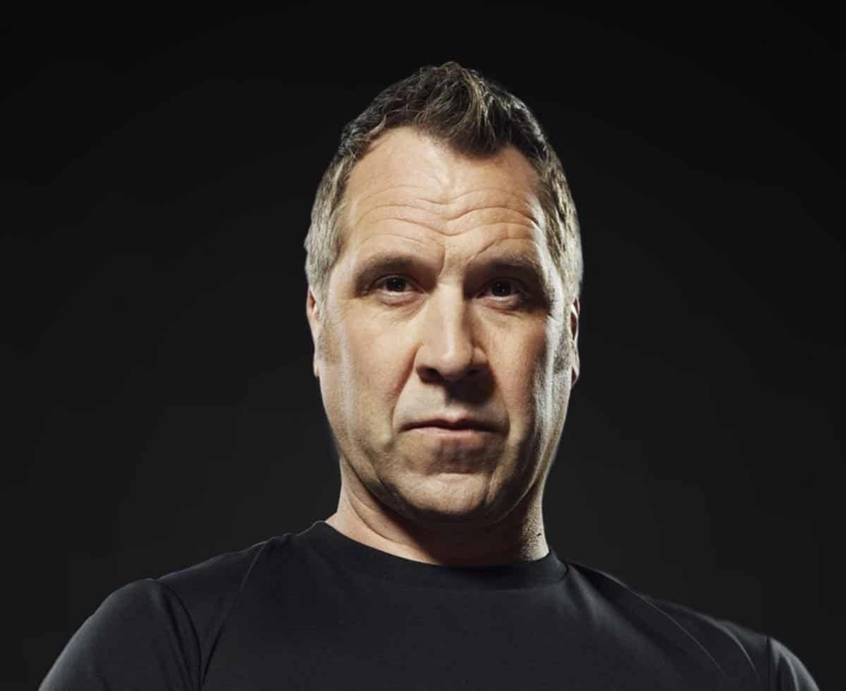 David Seaman is available to hire as a celebrity guest speaker for corporate events and gala dinners in London and the UK.