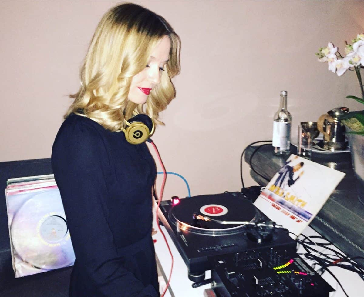 DJ Jen for hire. Our modern DJ is available to book for award ceremonies in the UK & London.