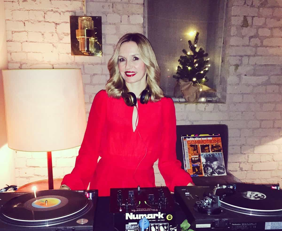 DJ Jen for hire. Our talented DJ is available to book for Christmas-themed events, private parties or corporate events in London & the UK.