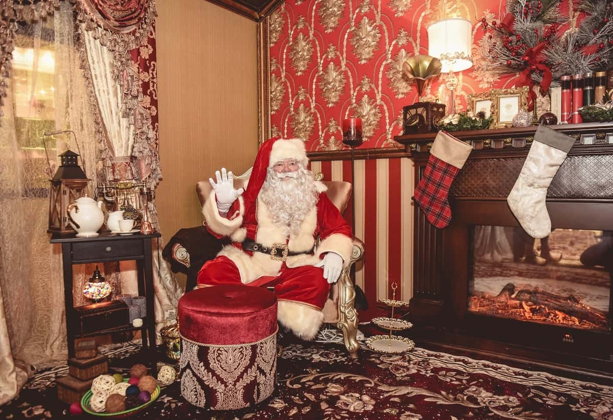 Luxury Santa's Grotto for hire. Our Winter Wonderland Santa's Grotto is available to book for shopping centre events, corporate functions & children's parties in London & the UK.