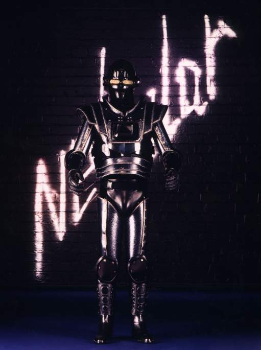 Futuristic robot mime artist for event hire in London and the UK