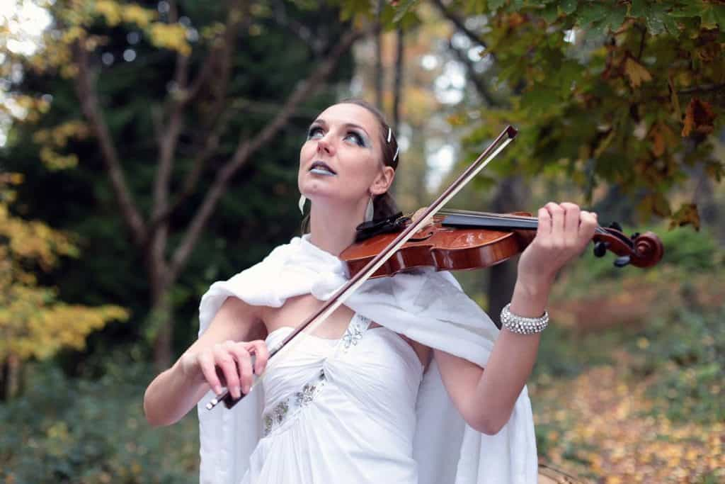 Christmas Violinist available to hire for public Christmas Events in the UK.