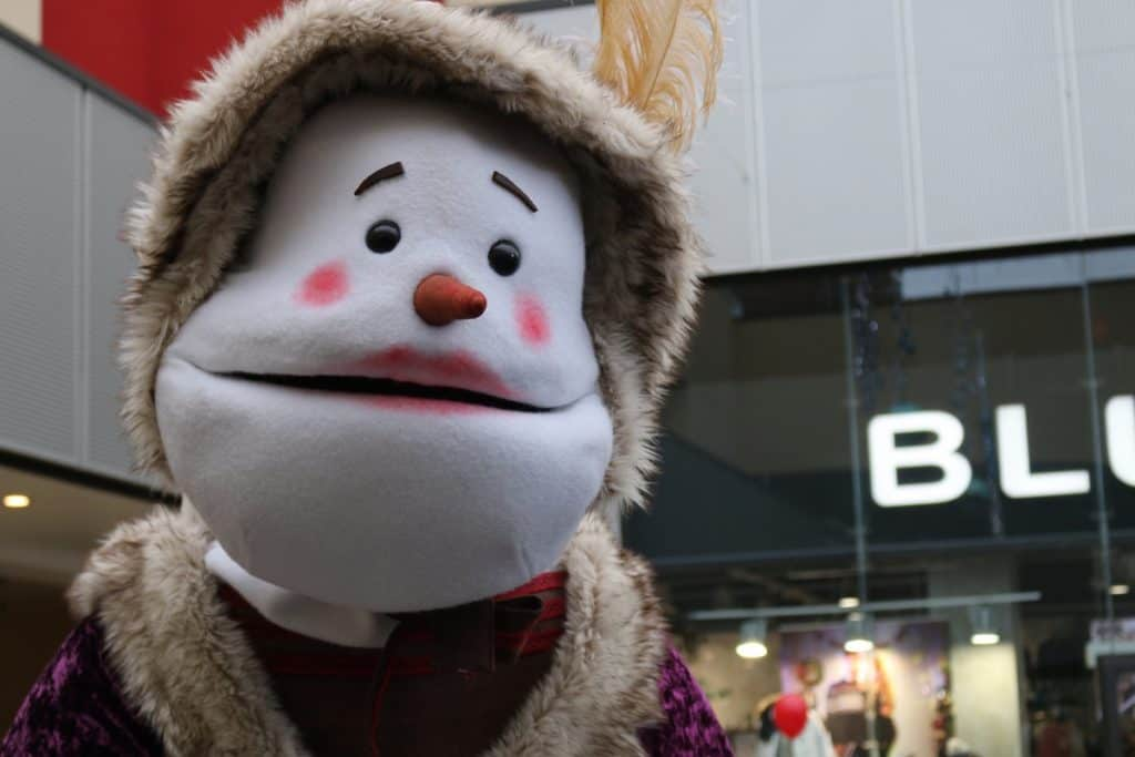 Book Christmas walkabout entertainers for Christmas Themed events in London and across the UK.