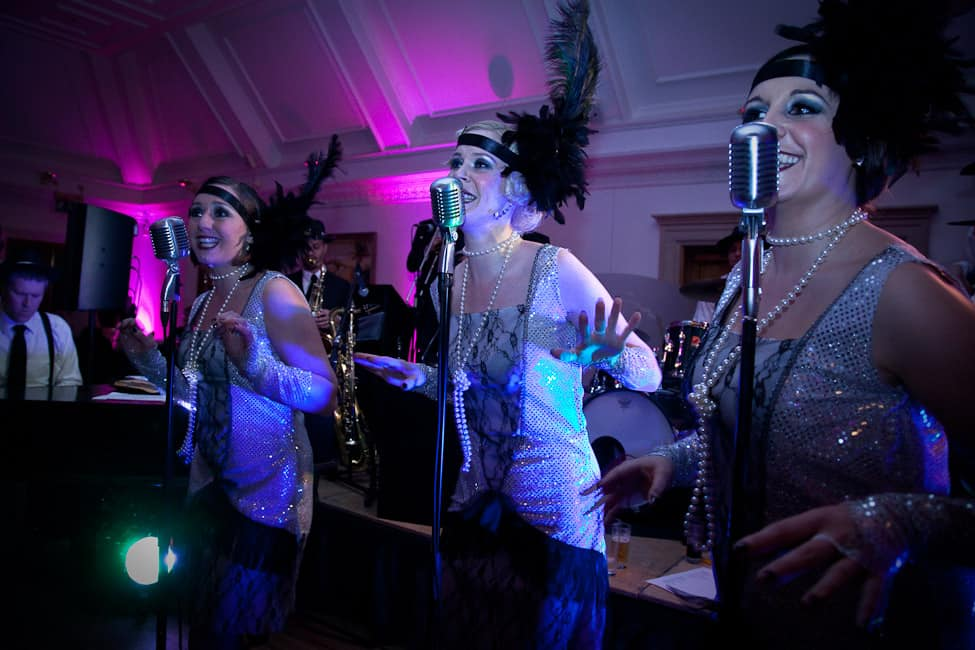 Vintage singers for hire. Vintage themed Singers ideal for Corporate and 1920's themed events, available for hire in London and Europe.