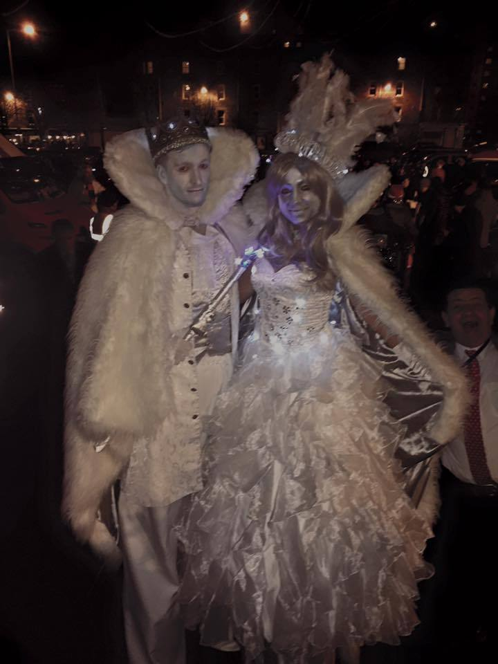 Winter-themed stilt walkers for hire. Book our Royal Glacier Stilt Walkers for Winter Wonderland events in the UK & London.