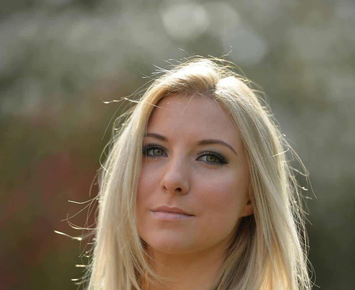The Classical Soprano is available for hire for award shows in London & the UK.