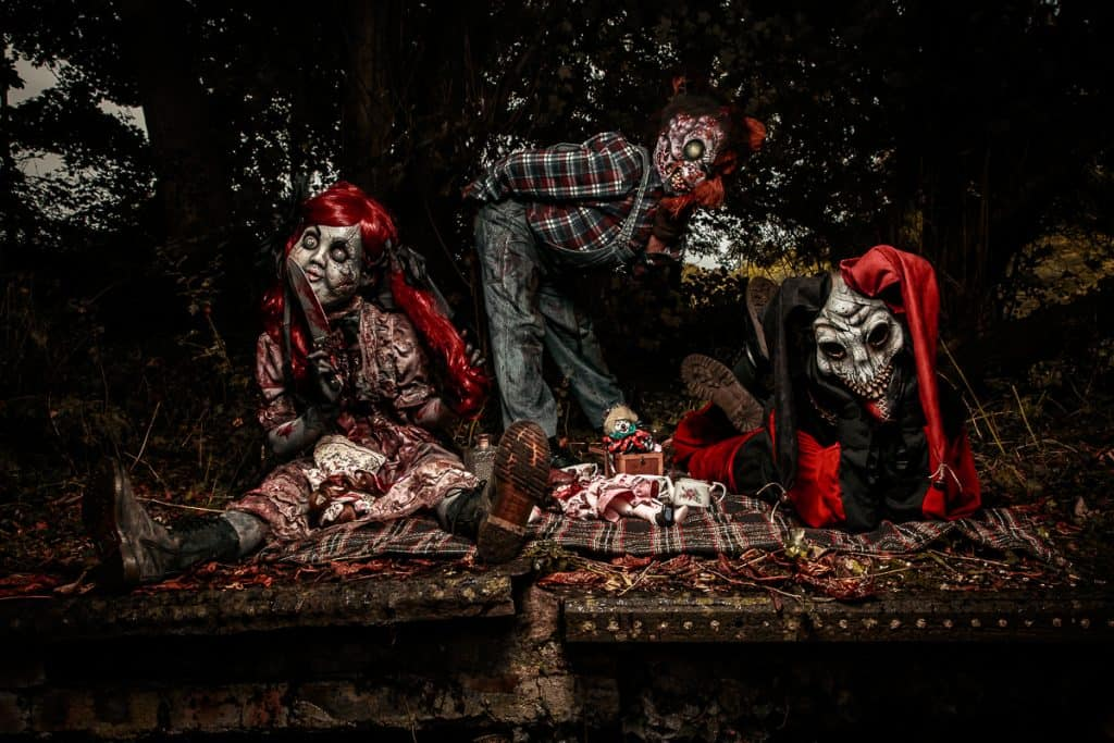 Creepy walkabout characters for Halloween events and horror events in London and the UK.