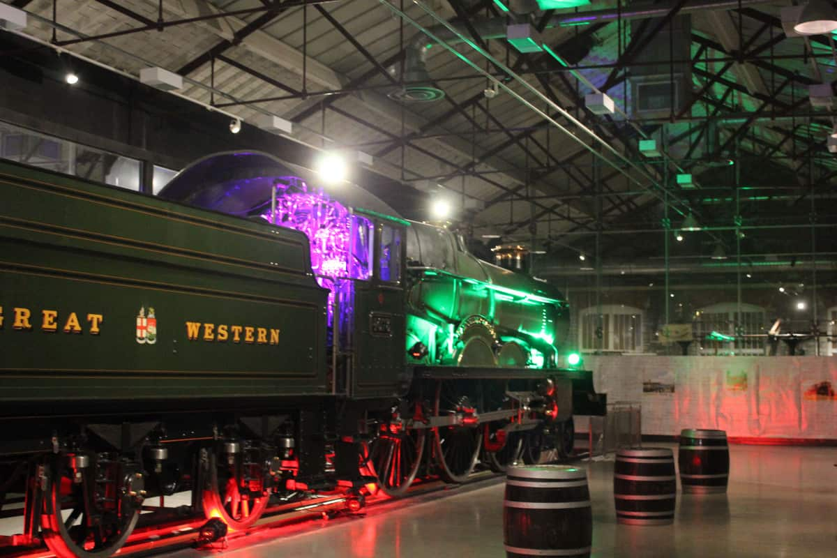Hire a 1920s express train for your corporate events in London and the UK
