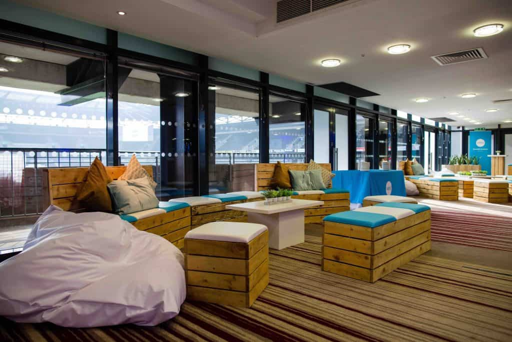 We used bespoke sustainable pallet furniture throughout the Xero company conference for staff to socialise around.