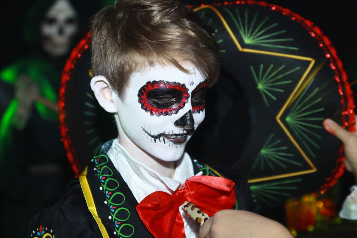 Halloween entertainers available to book for themed events in London and the UK