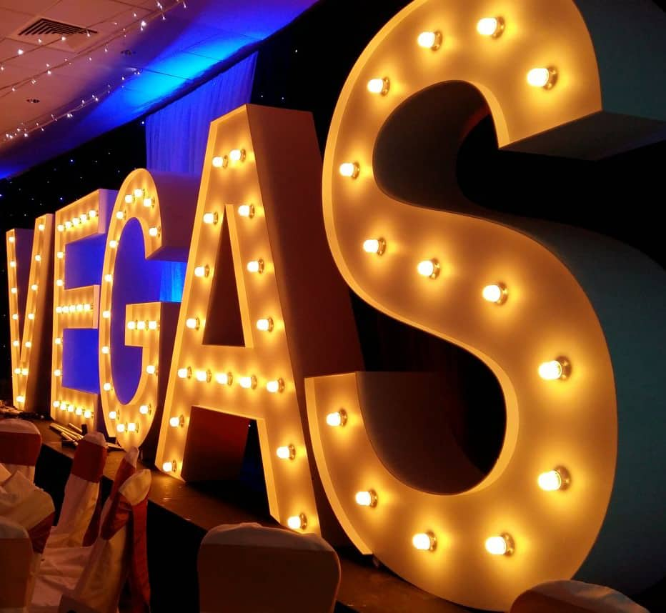 Las Vegas themed party ideas. You can book Las Vegas event dressing here.