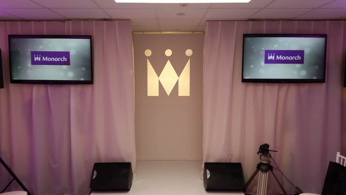 Hire our brand activation entertainment for corporate events in London and the UK