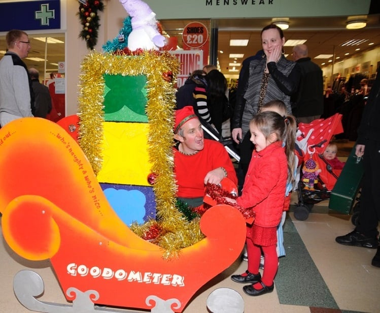 Our Good-o-Meter Elves entertaining Children at a UK Shopping Centre. Available for Xmas markets and all kinds of events.