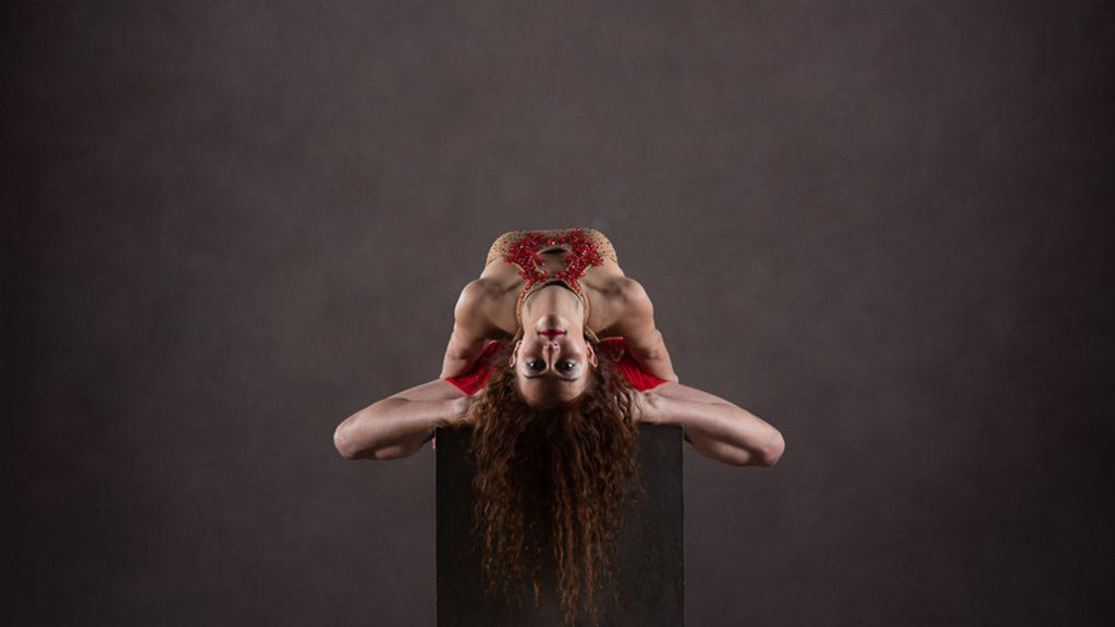 Talented Contortionist available to hire for corporate parties in the UK and internationally.