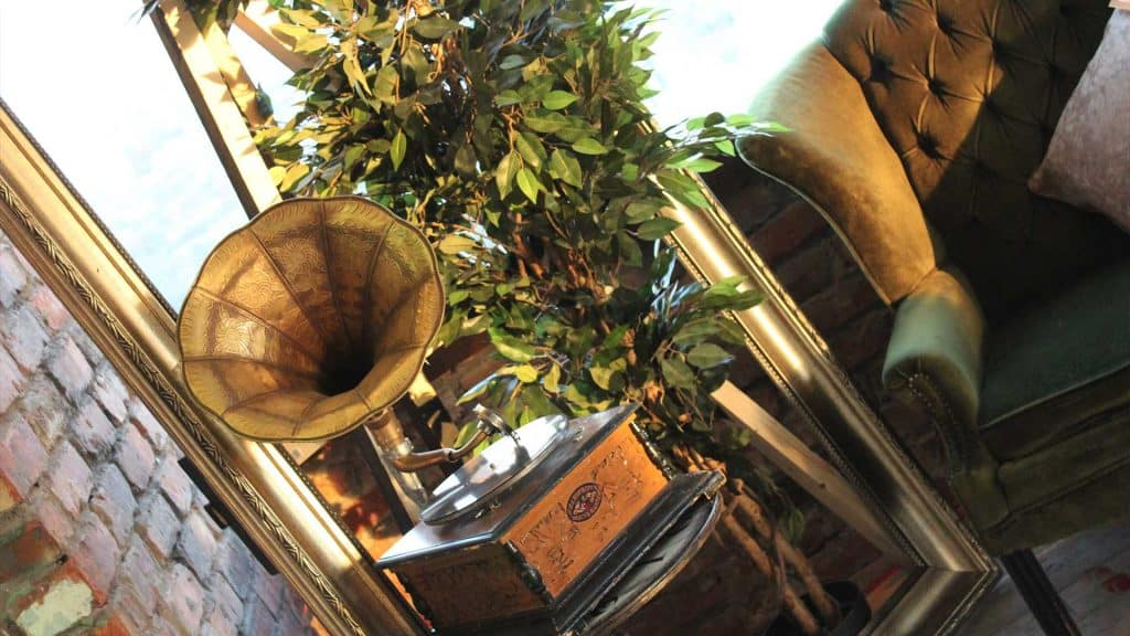Prohibition 1920's style props to hire for themed events.