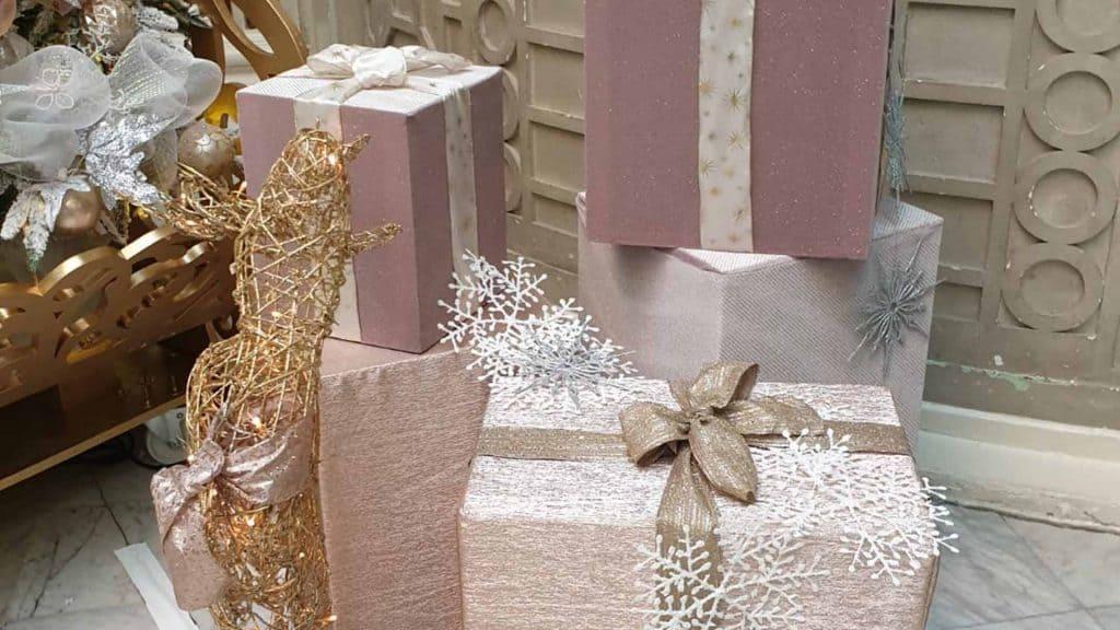 Waldorf Hilton London Christmas Tree presents.