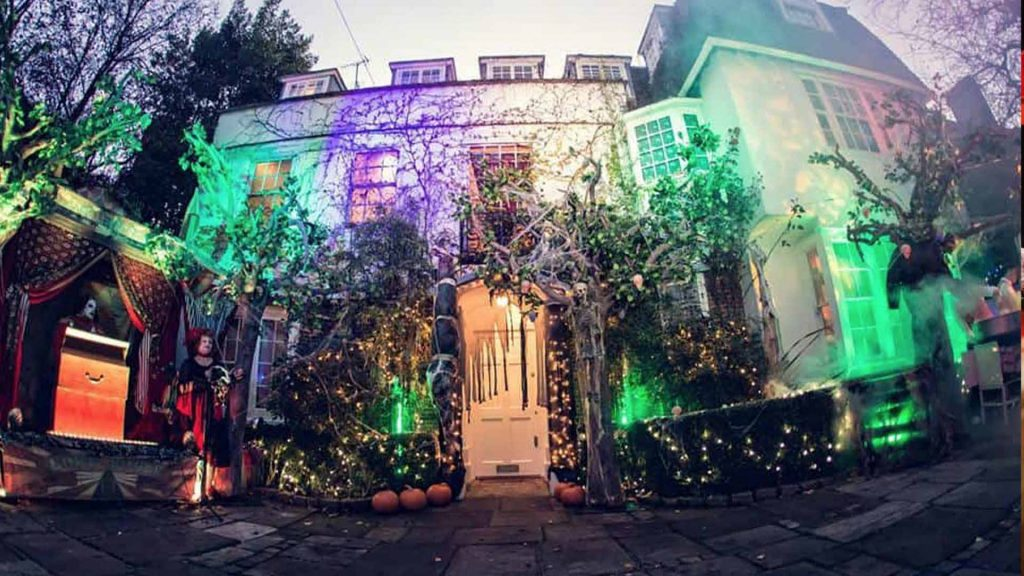 Jonathan Ross Halloween House Dressing.