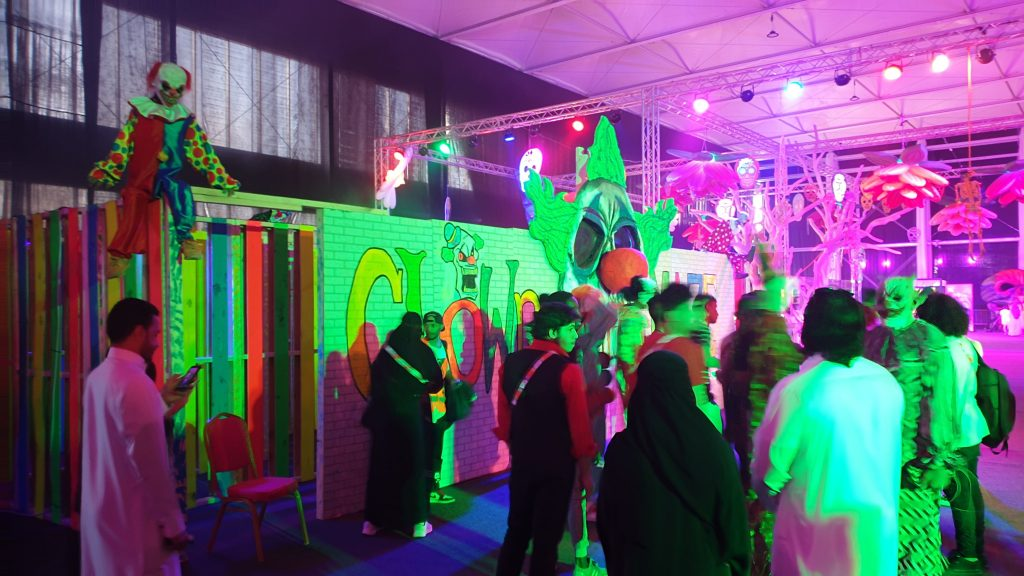 Clown maze entrance set design for Saudi Arabia's Horror Festival in Riyadh