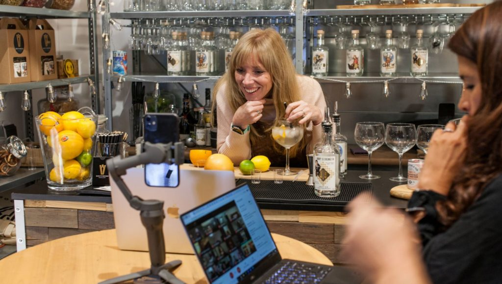 Unique Online Gin Tasting Experience available to book for Zoom Calls and online events. This Team Building Virtual Gin Tasting experience is hosted by an expert.