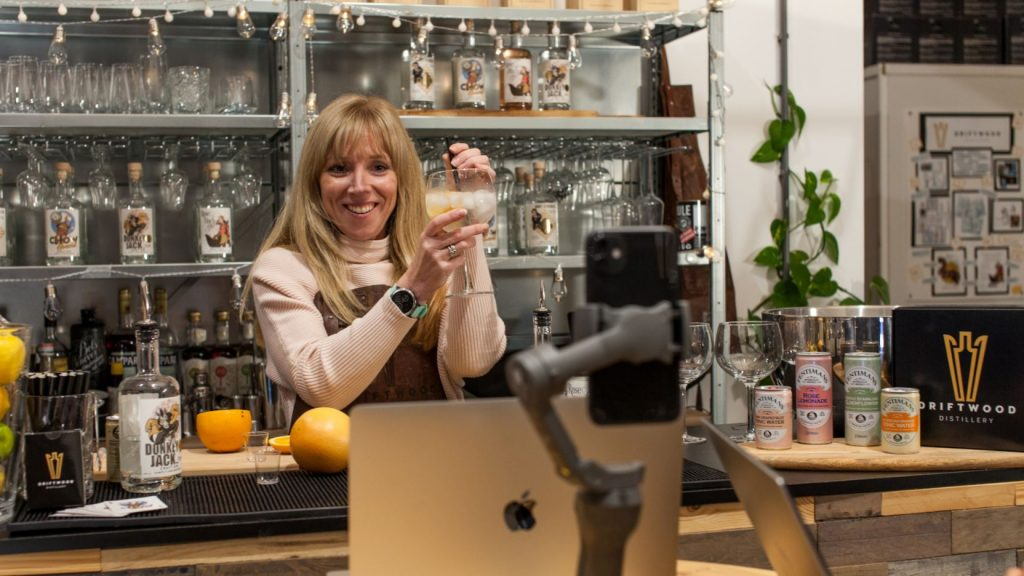 Unique Virtual Gin Tasting Experience available to hire for Zoom Calls and Online team building events.