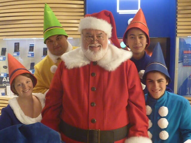 Virtual Santa Performer with Elves available to hire for Virtual Events and Zoom Calls for Christmas.